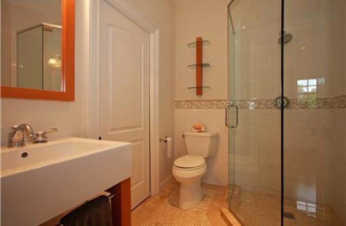 1425 Tangier bath2