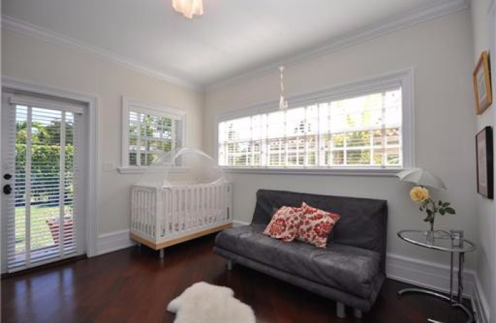 1425 Tangier bed2