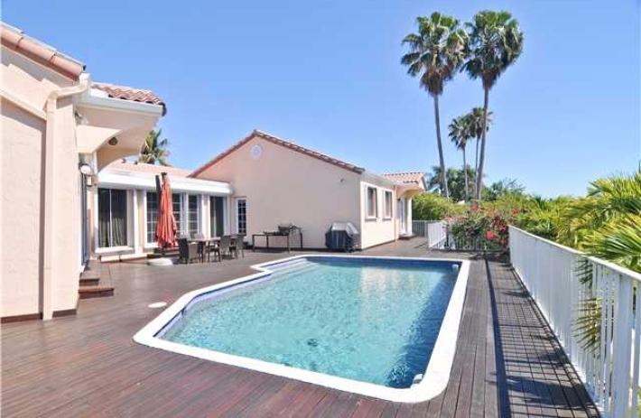 1460 Lugo pool