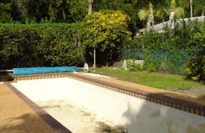 5815 old pool