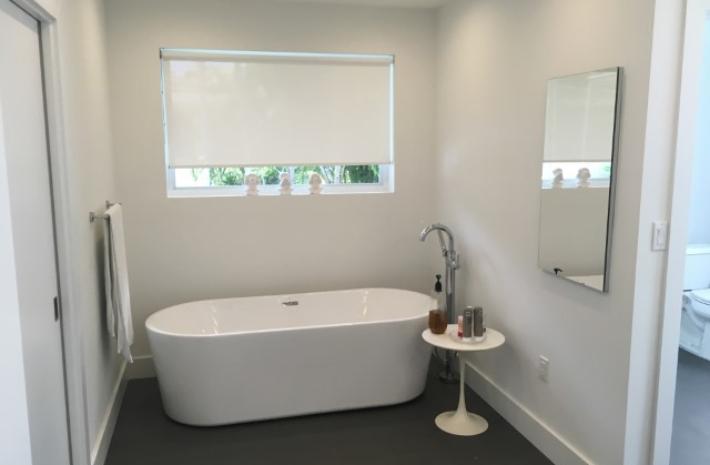 bathroom_jpg