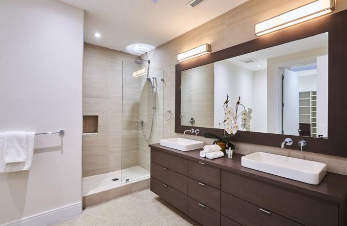 4045 bonita interior bath 01