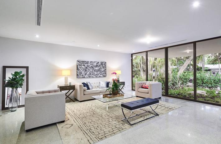 4045 bonita interior living 02