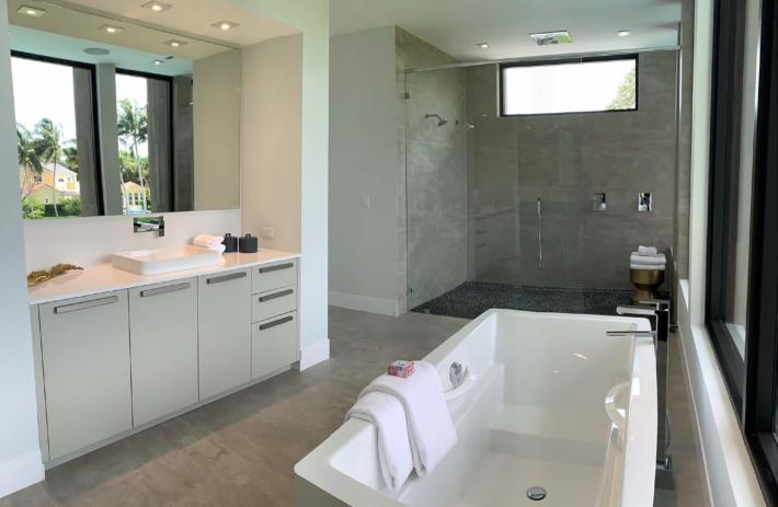 6270 Master Bathroom
