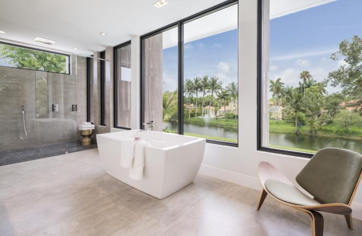 6270 SW 86 Street 47 Master Bathroom3