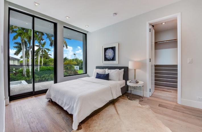 6270 SW 86 Street 48 Bedroom 1