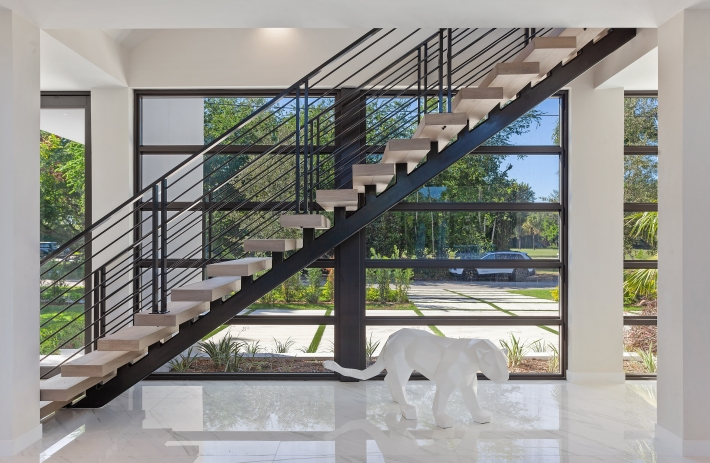 25_1290MariolaCourt_68001_Staircase_HiRes